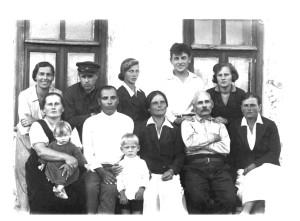 Семья Ю.М. Лощица. Лето 1938 г. в с Федоровке УССР