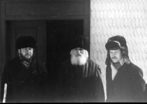 Западная Русь, селение Уголька. Ю.Лощиц, о.Иов, Л. Курзенков