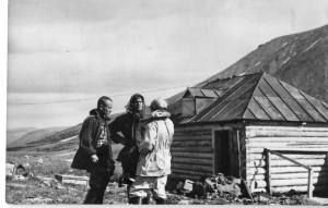 В экспедиции на Полярном урале. Оз.Хадата. 1961